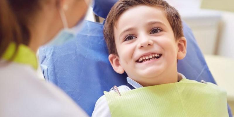 Dentista pediatrico per apparecchio invisibile bambini a Roma